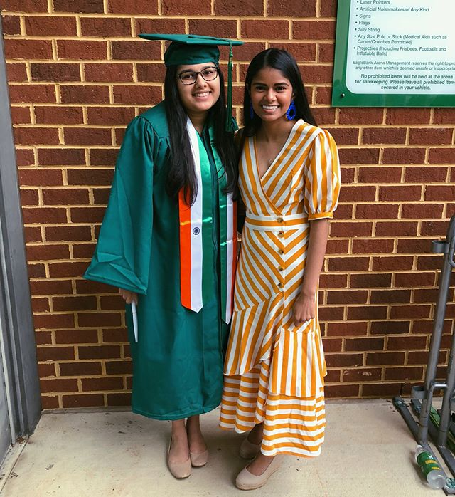 Congratulations @MidhathSyed!!! Proud of ya 💚👩🏽‍🎓💛 PS. Swipe to see a little flashback to four years ago when this one graduated high school! 💙🐴💚 • • • • • #georgemason #gmu #patriotpride #masonnation #graduation #collegegrad #family #sisters #donewiththisbs #lifestyleblogger #millennialblogger #dmvblogger #millennialblogger #fashionblogger #igstyle #igfashion #collegeblogger #flashbackfriday #flashback #fbf #sistasista #desiblogger #indianblogger #india