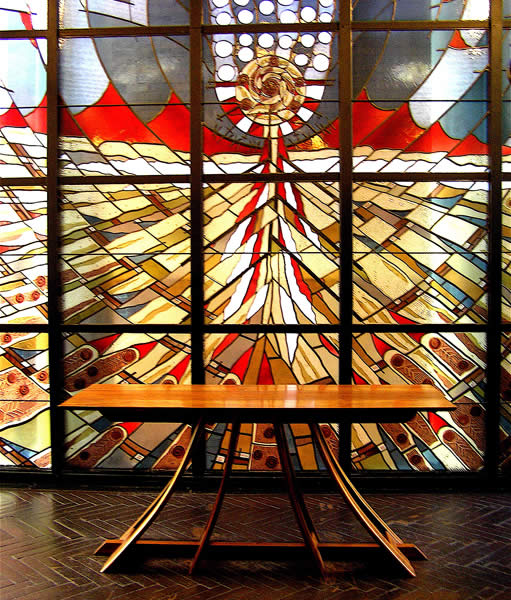 St James altar, Sydney. Design and fabrication by Leon Sadubin. Image courtesy of  http://www.leonsadubin.com.au
