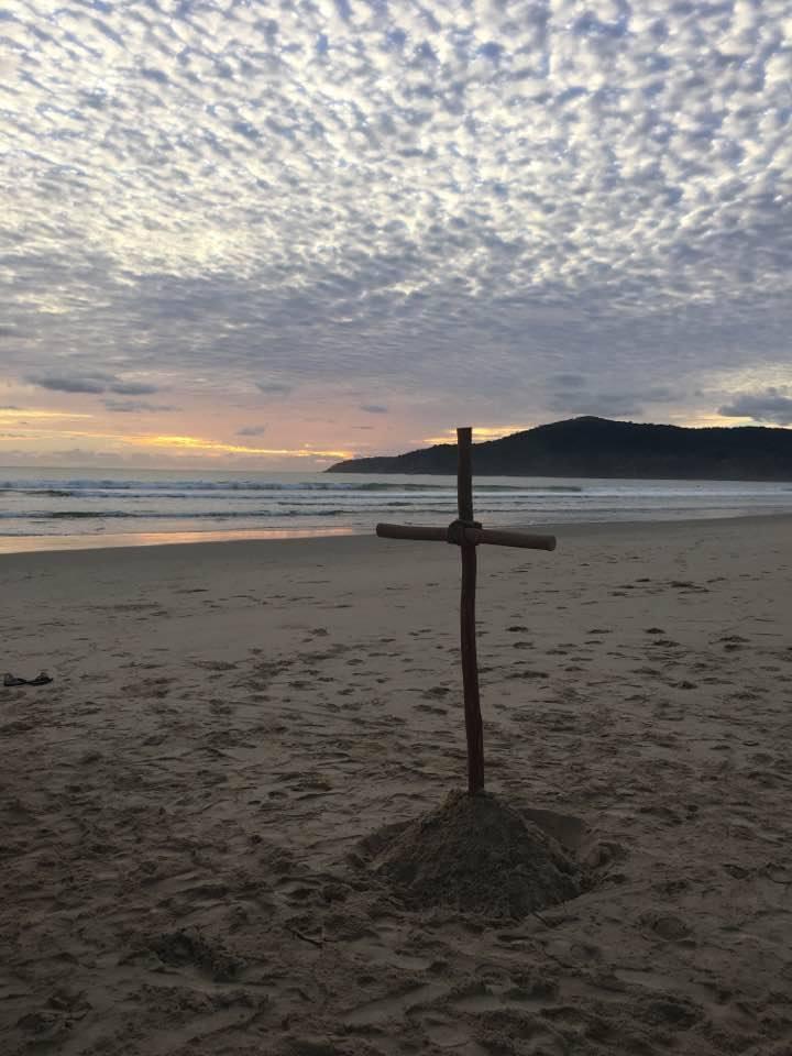 Noosa-cross-sand.JPG
