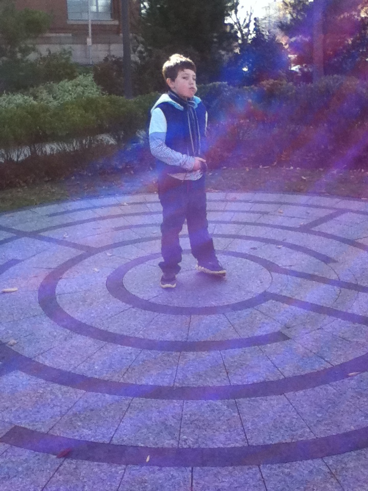 Labyrinth, Memorial Drive, Cambridge, Mass. (Photo: Stephen Burns.)