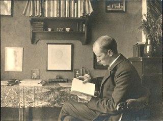 Sjoerd H. de Roos in zijn huis in de Jacob Marisstraat, Amsterdam, rond 1910.
