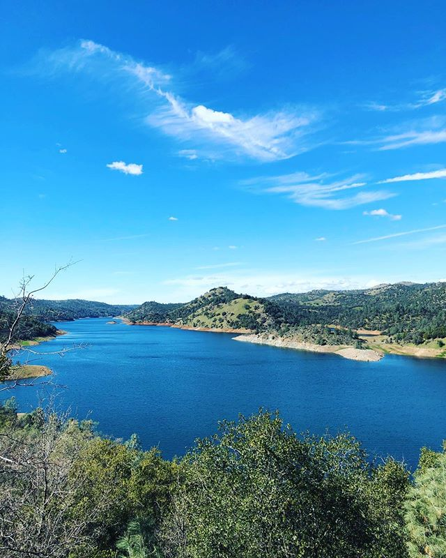 I passed by this lake somewhere between Yosemite National Park and San Francisco on Day 8