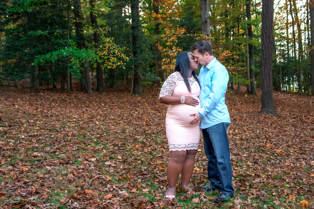 Maternity Growing Family Couple portrait at Sunday Park in Brandermill Midlothian VA