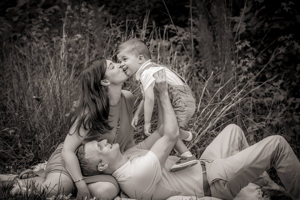Family of three love at SummerLake neighborhood in moseley viriginia