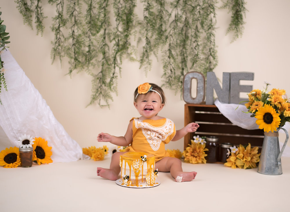First Birthday And Cake Smash Sessions With Bear Lane