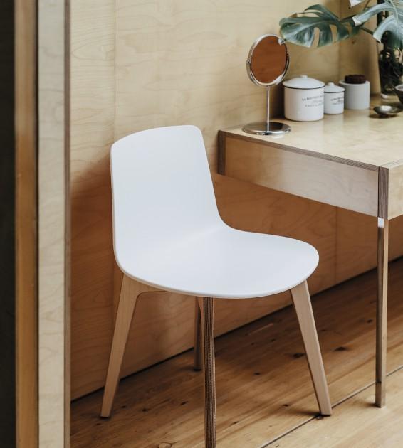 Enea_canteen_Lotus wood.jpg