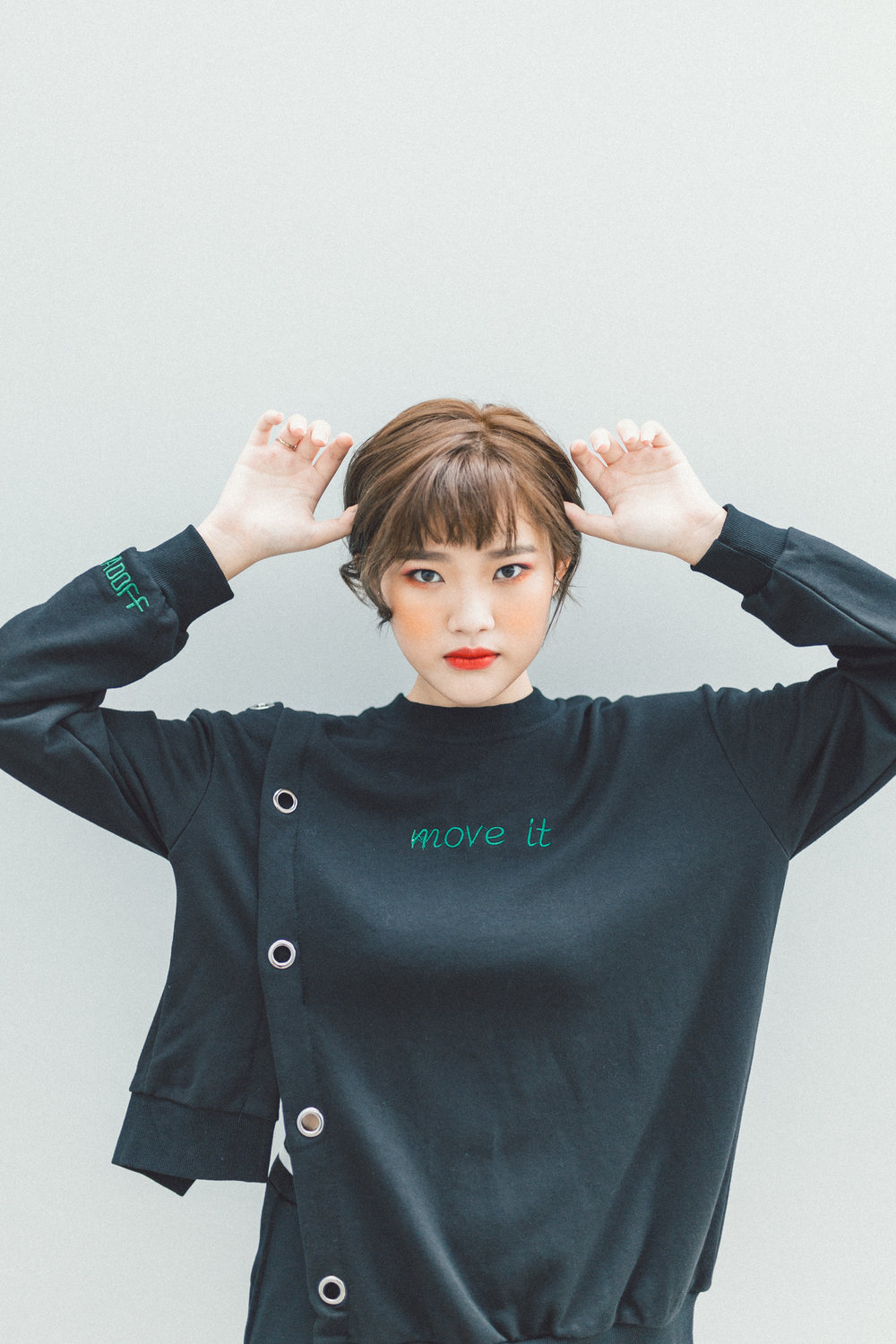 MOVEIT CUTOUT PULLOVER -