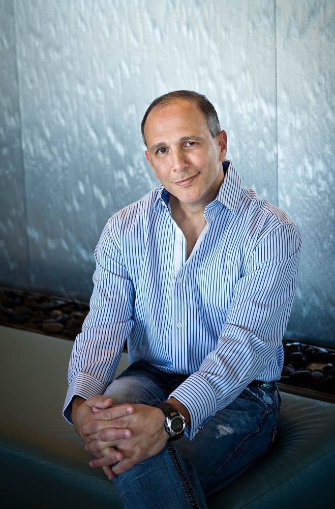 Dr Peter Raphael