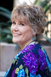Headshot - Amanda Petersen.jpg