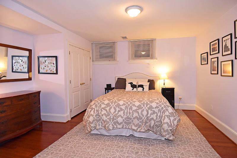 15 Bedroom 1.jpg