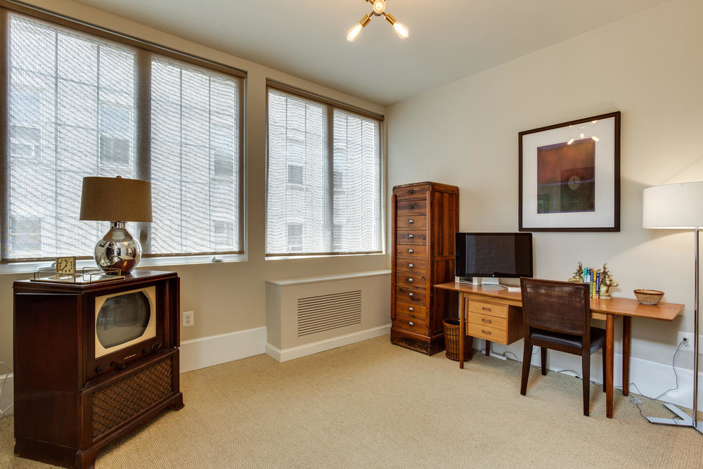 1632 16th St NW Unit 32-large-038-39-Master Bedroom Sitting Room-1500x1000-72dpi.jpg