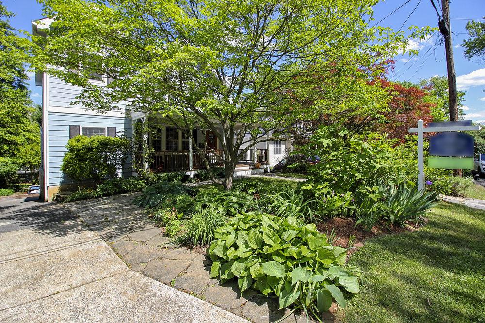 Exterior-3811 Calvert Place-IMG_4645.JPG