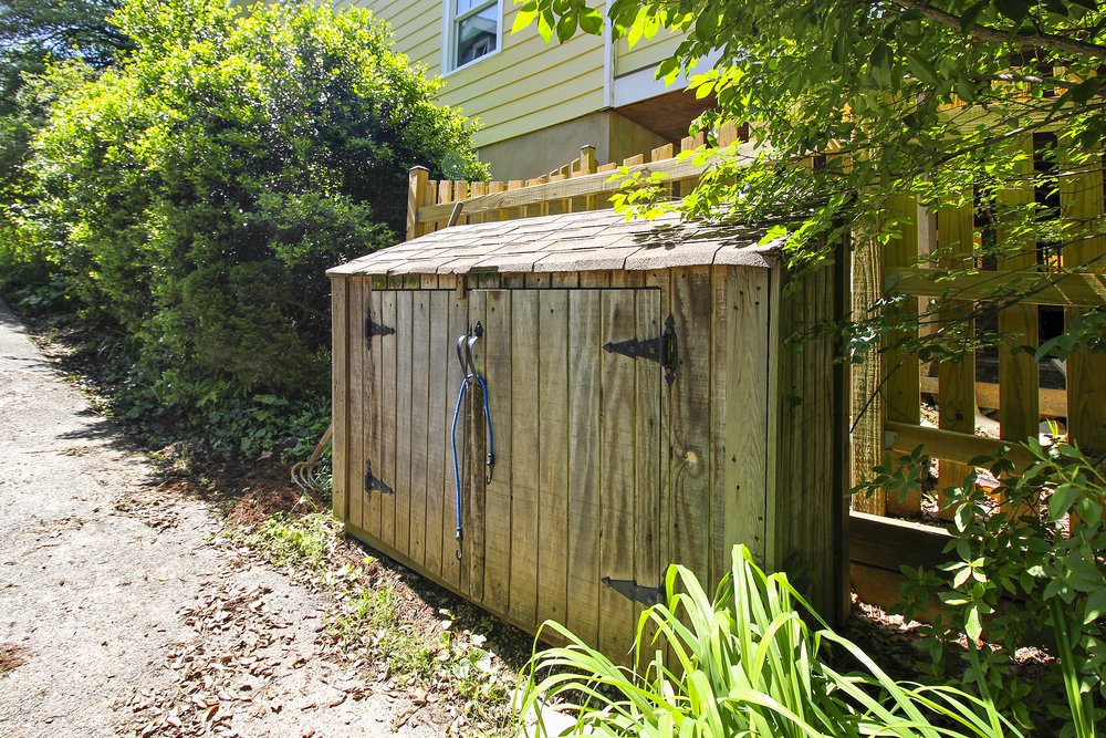 Exterior-Shed-IMG_4657.JPG