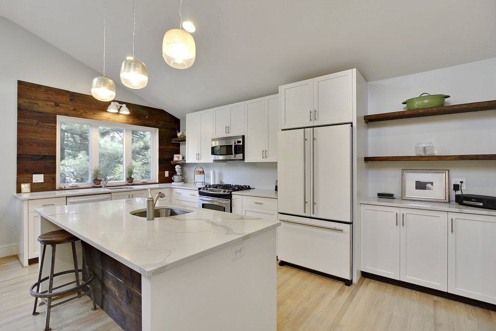 Main Level-Kitchen-_MG_4539.JPG