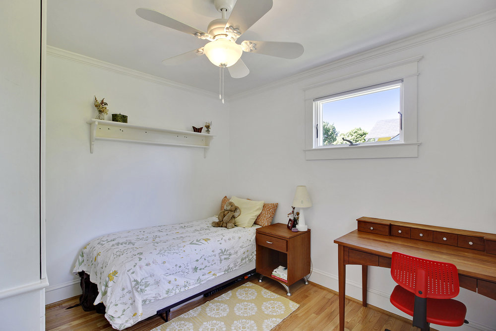 Upper Level 1-Bedroom-_MG_4476.JPG