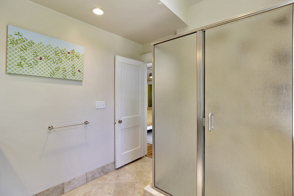 Upper Level 1-Master Bath-_MG_4455.JPG