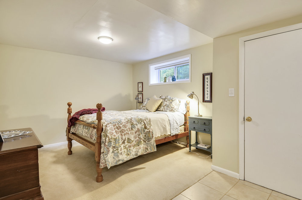 Lower Level-Bedroom-_DSC5519.JPG