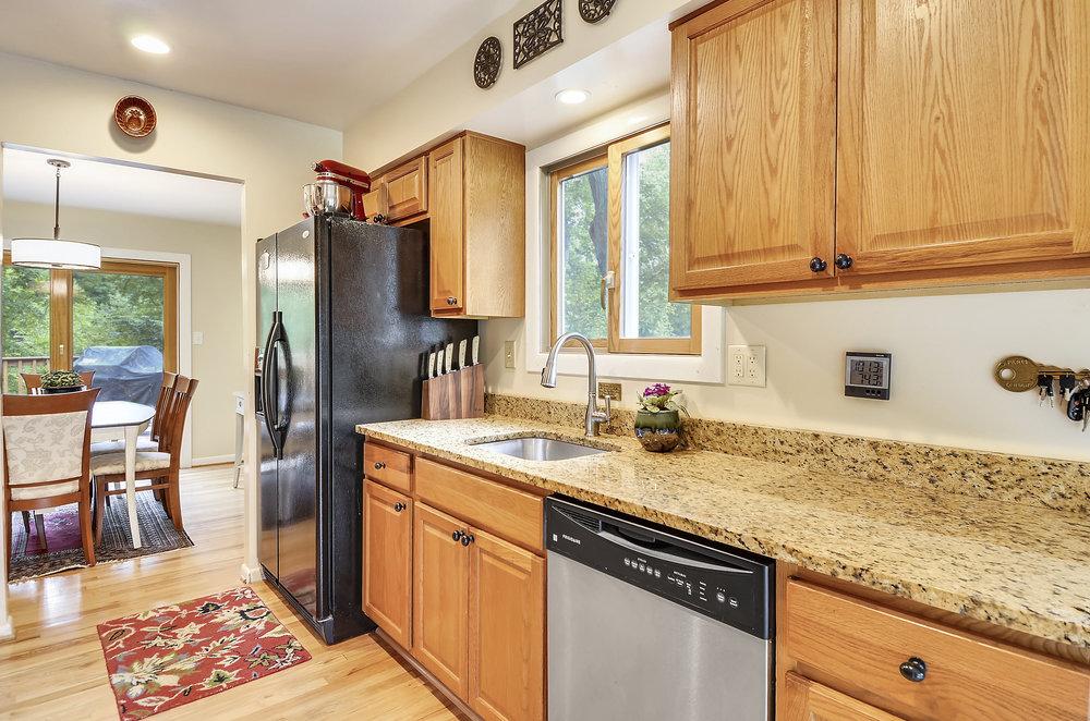 Main Level-Kitchen-_DSC5482.JPG