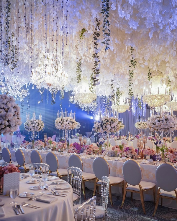 Wedding at Manila Marriott Hotel in the Philippines. Photo by    Adrian Ardiente   .