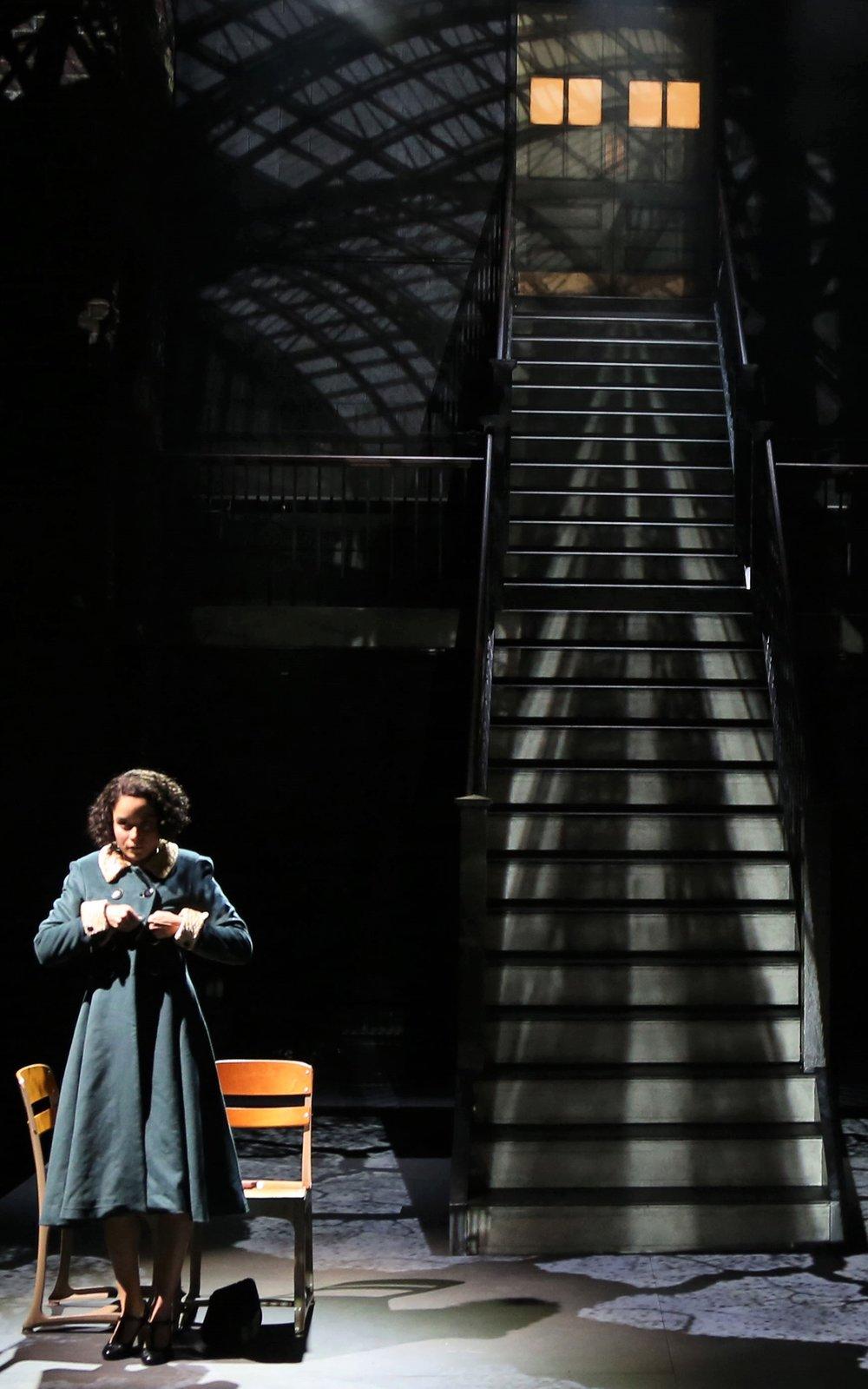 Juliana Canfield on Christopher Barreca's set. Photographs by Gerry Goodstein.