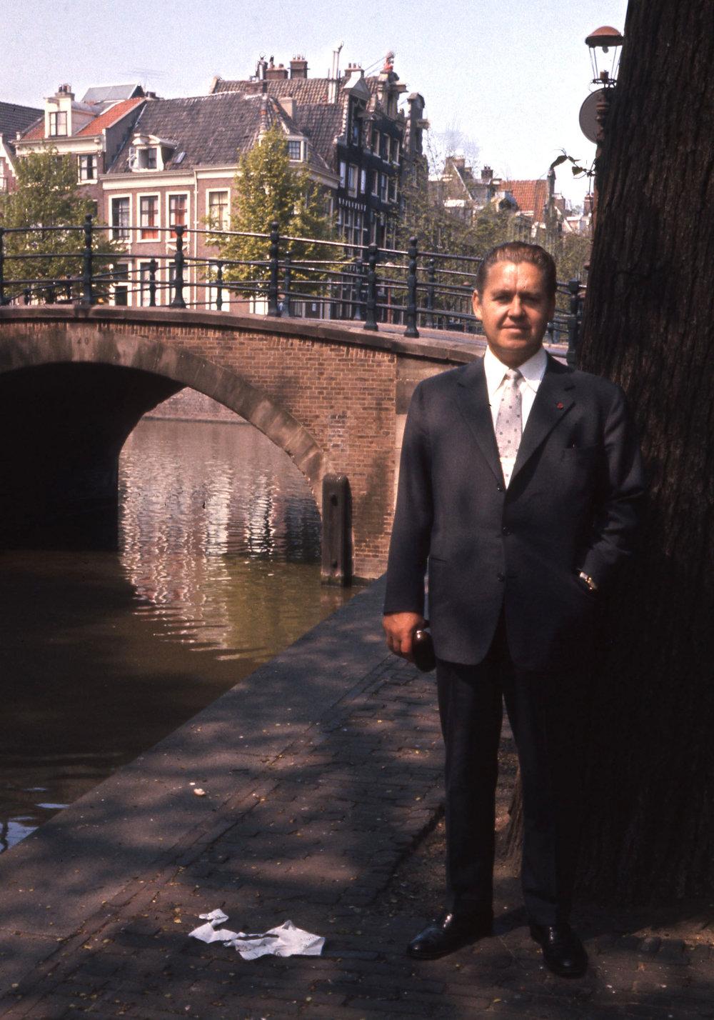 Vid kanalen i Holland.jpg