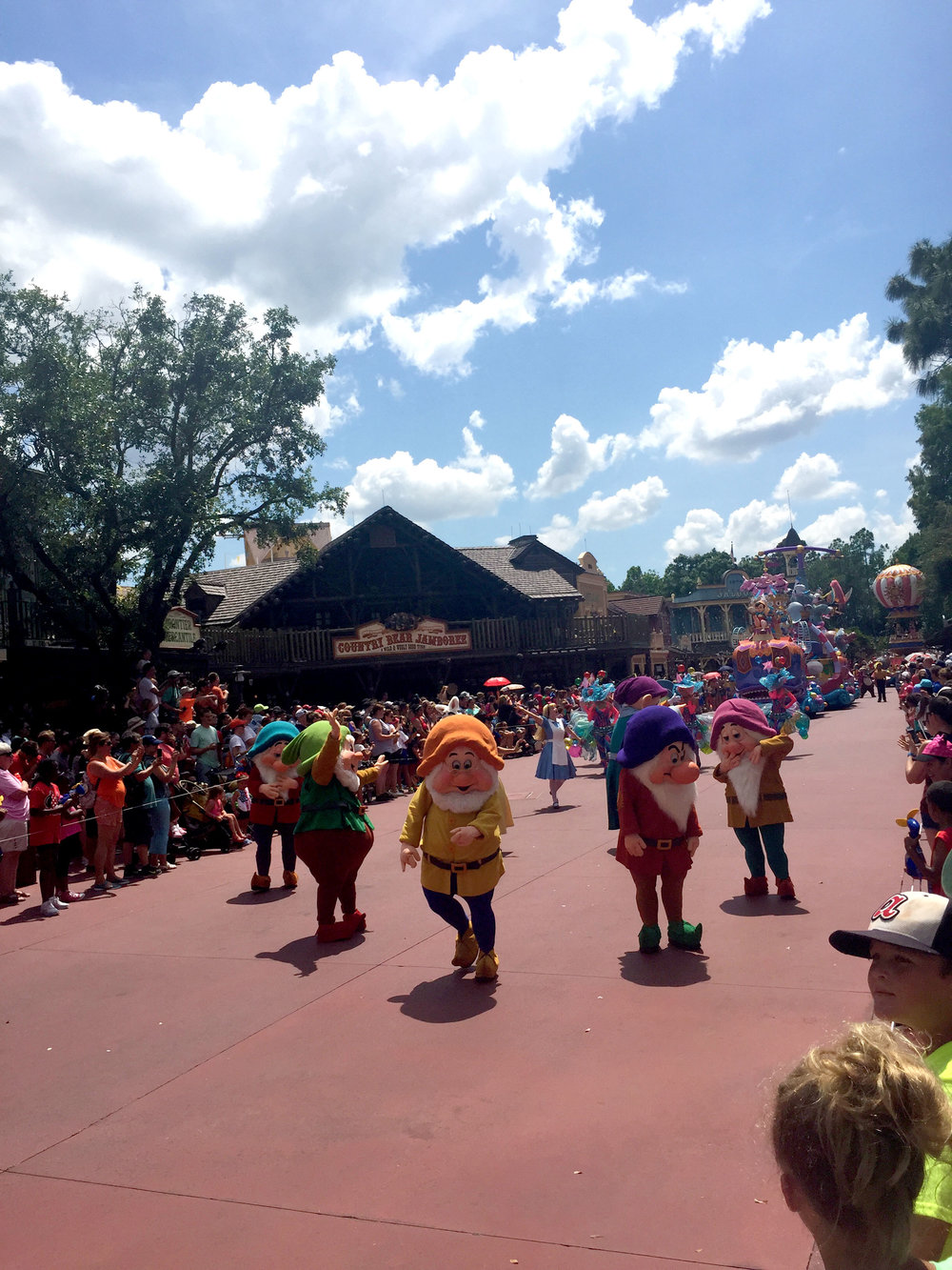 It was great to see all the dwarfs leading this section of the parade, since that was Walt's first movie.