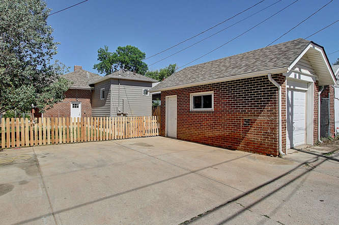 2830 Dahlia St Denver CO 80207-small-037-40-37-666x443-72dpi.jpg