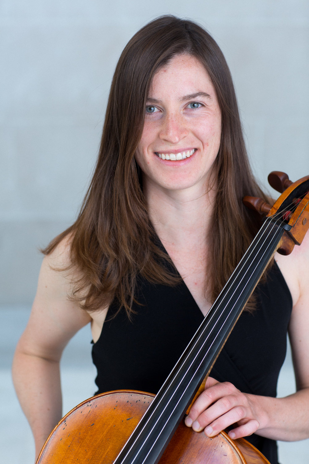 Joanne de Mars, cello