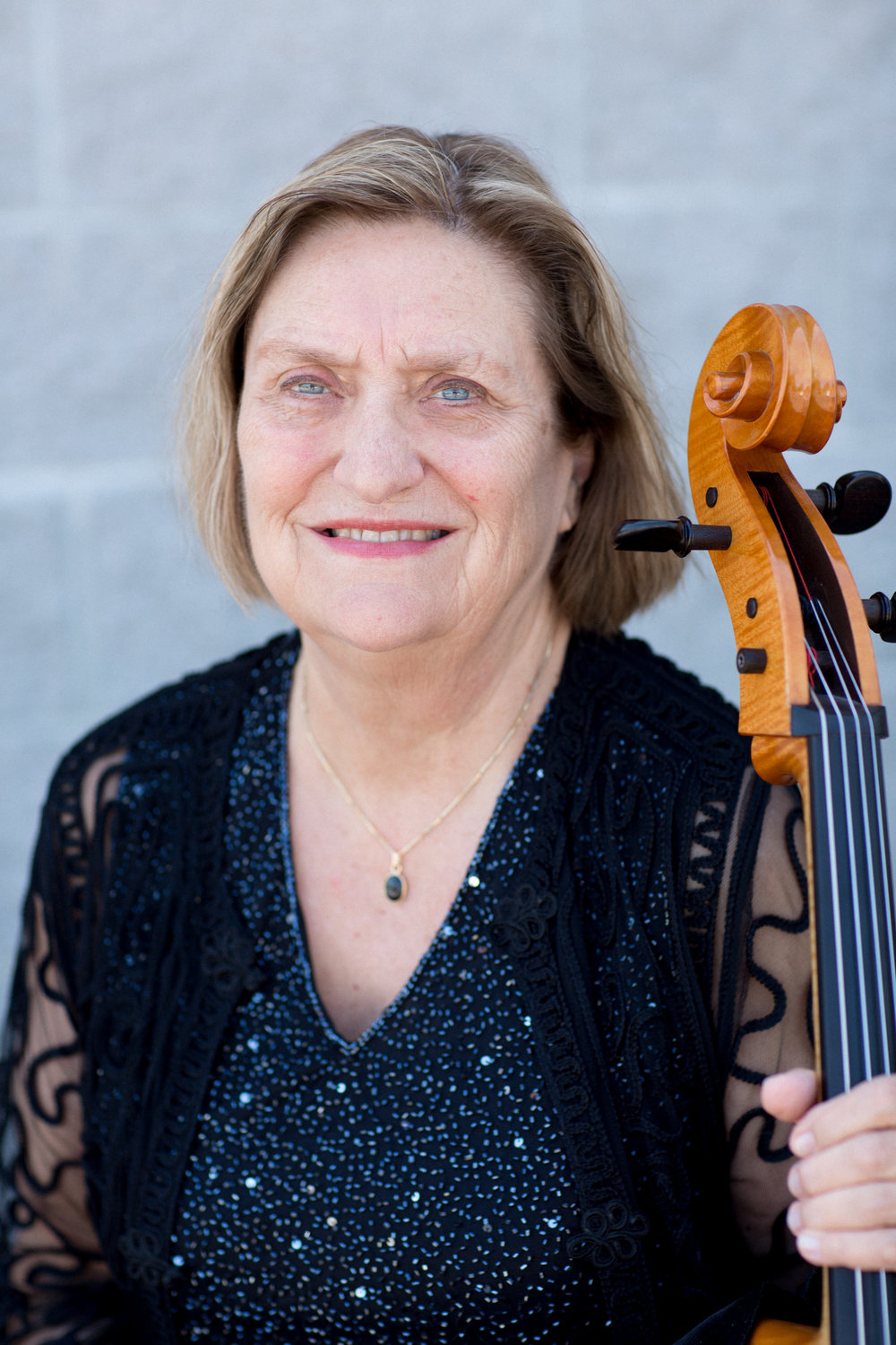 Laura McLellan, cello