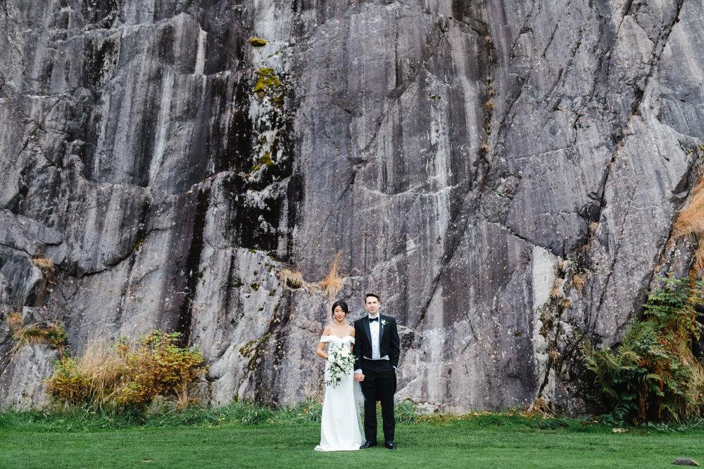 HeraStudios_Selects_Full_EricaPeter_Wedding-256.jpg