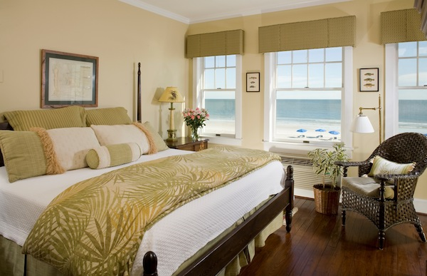 03-elizabeth_pointe-room8.jpg