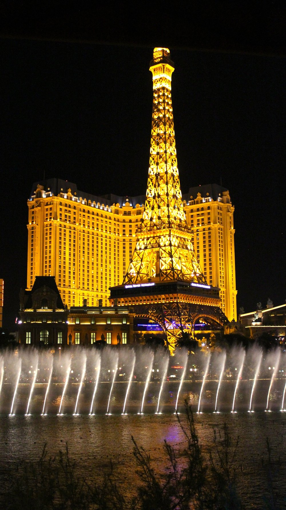 Bellagio-Fountains-and-Paris-Hotel-from-Hyde.jpg