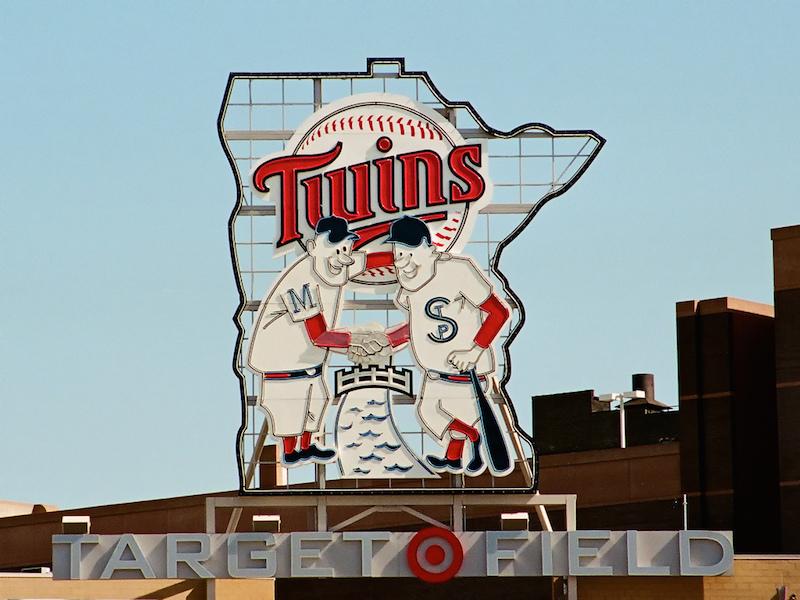 Minnesota-Twins-Target-field.jpg