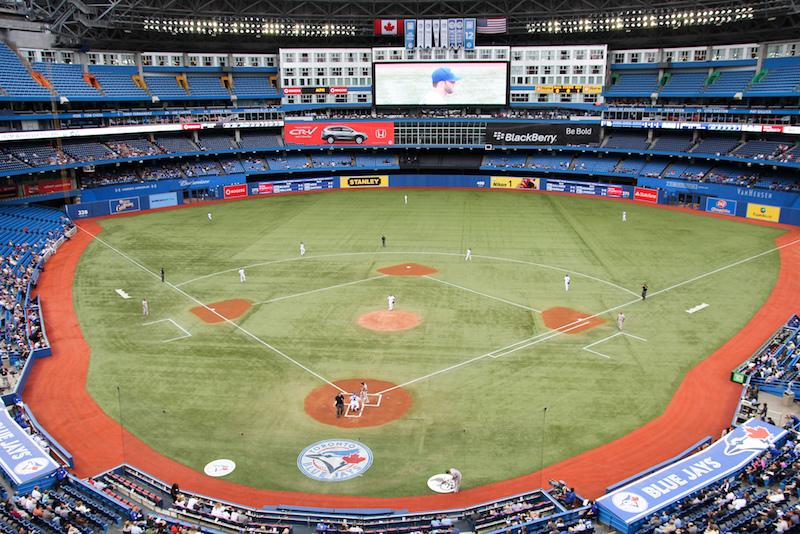Toronto-Blue-Jays-Rogers-Centre.jpg