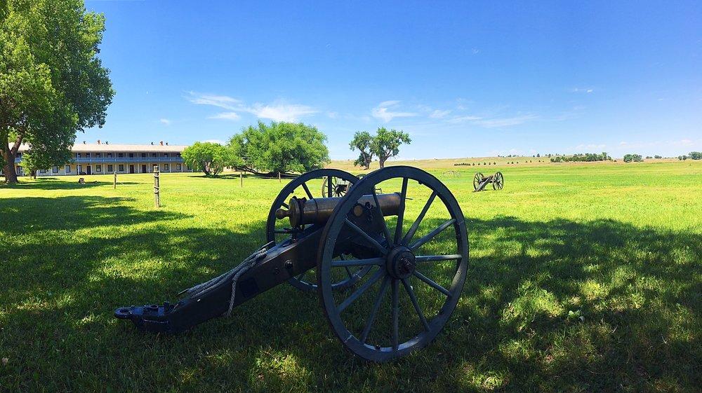 7-Fort-Laramie.jpg