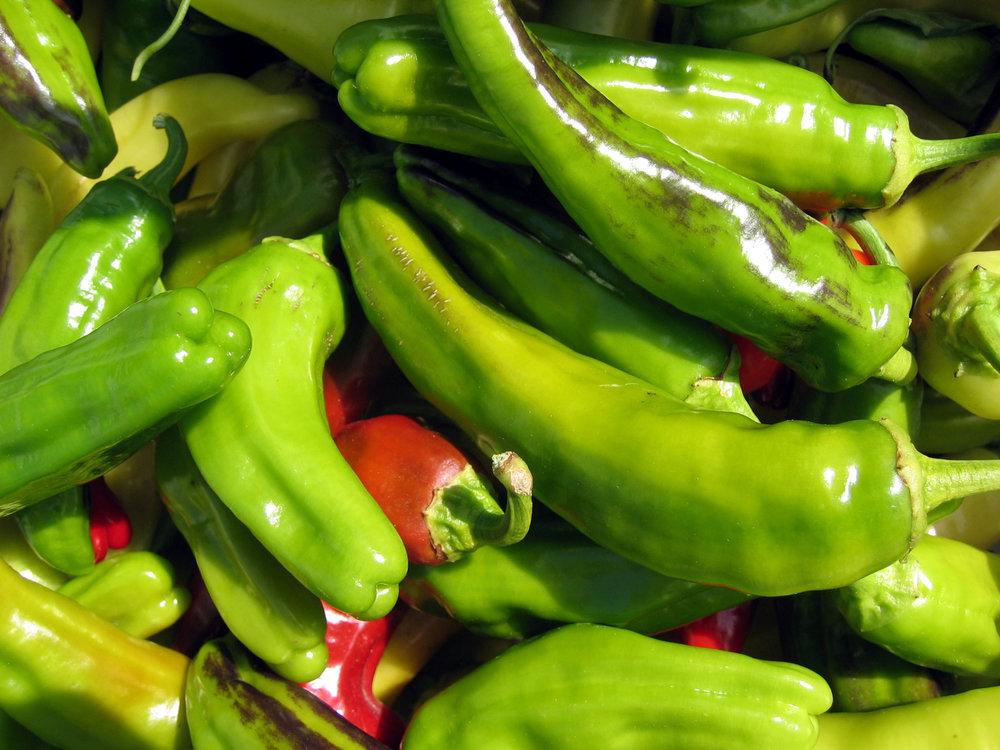 farmers-market-chiles-1463460-1920x1440.jpg