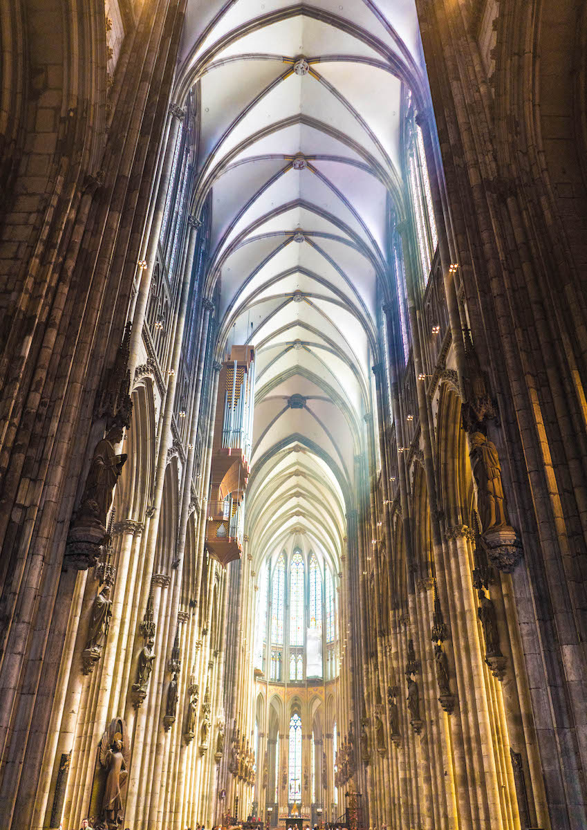 Inside Cologne Dom.jpg