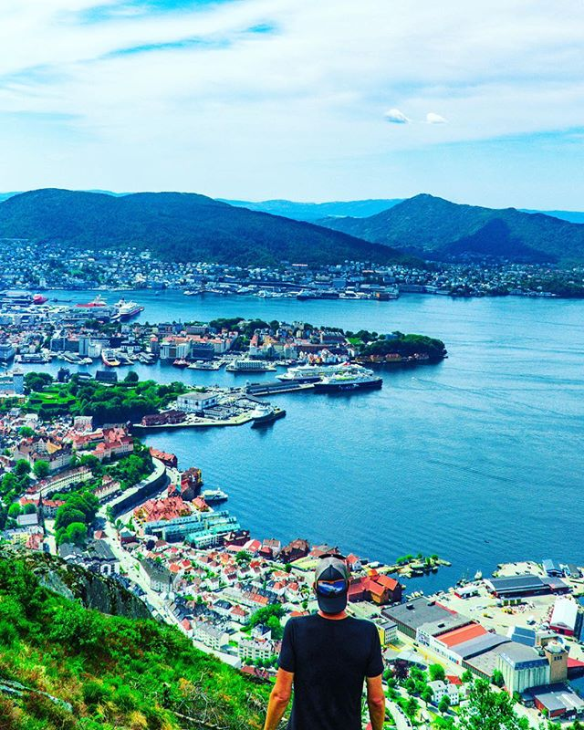 Just back from first Scandinavia trio and dreaming about returning. I have a problem, or nah? #bergen #liveoutdoors