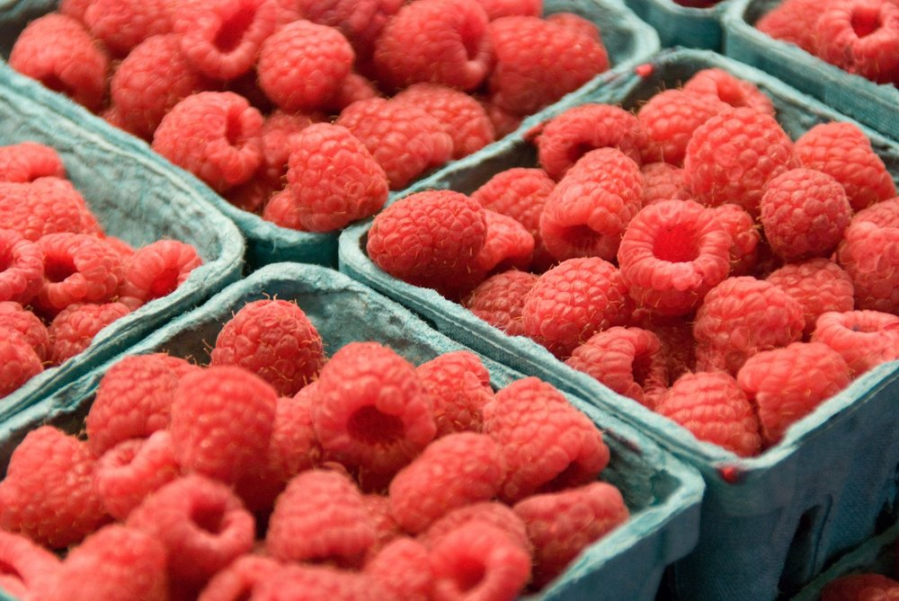 Berries farmers market.jpg