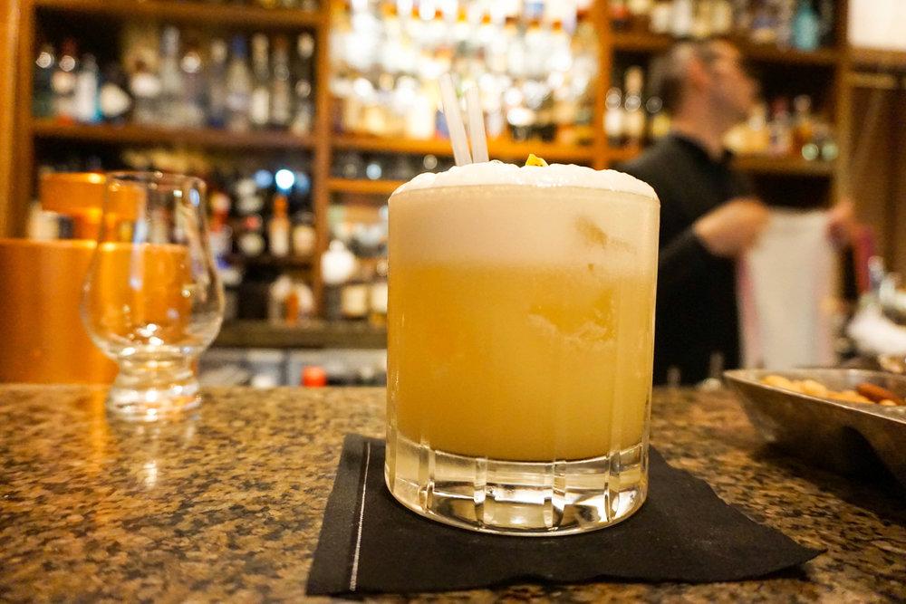 Scotch sour cocktail.jpg