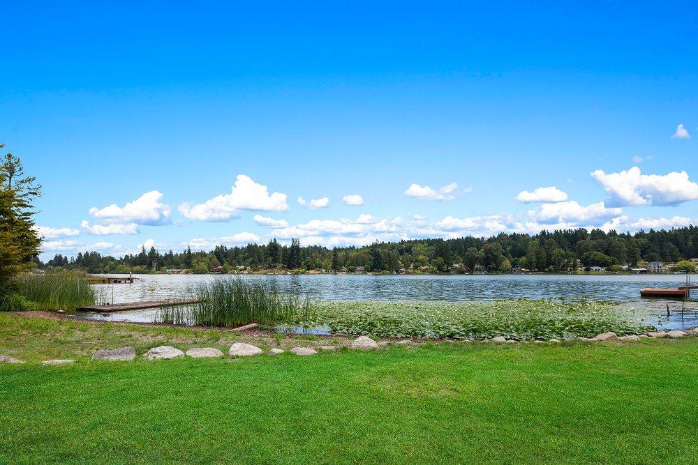 www.LakefrontRambler.com