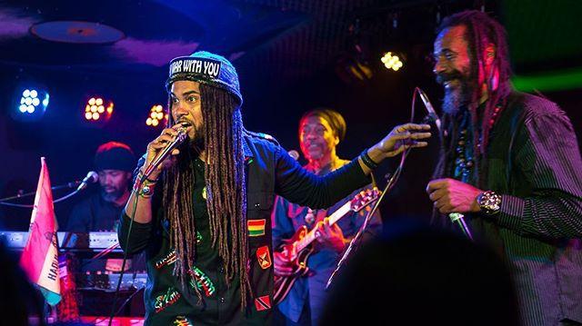 That happened Saturday night! Great message and music all night long!! #leetafari #prezidentbrown #chezidek #tufflion #NoLittering #TeamCleanUp #TekCareOfMamaEarth #Jah #PeaceMakers #reggae #roots #moesalley #RastaCruz #SantaCruz @lee_tafari_music @prezidentbrown @chezidektheherbalist @tufflion_ @kinghopetonband @cliffmanswell @phansowilson