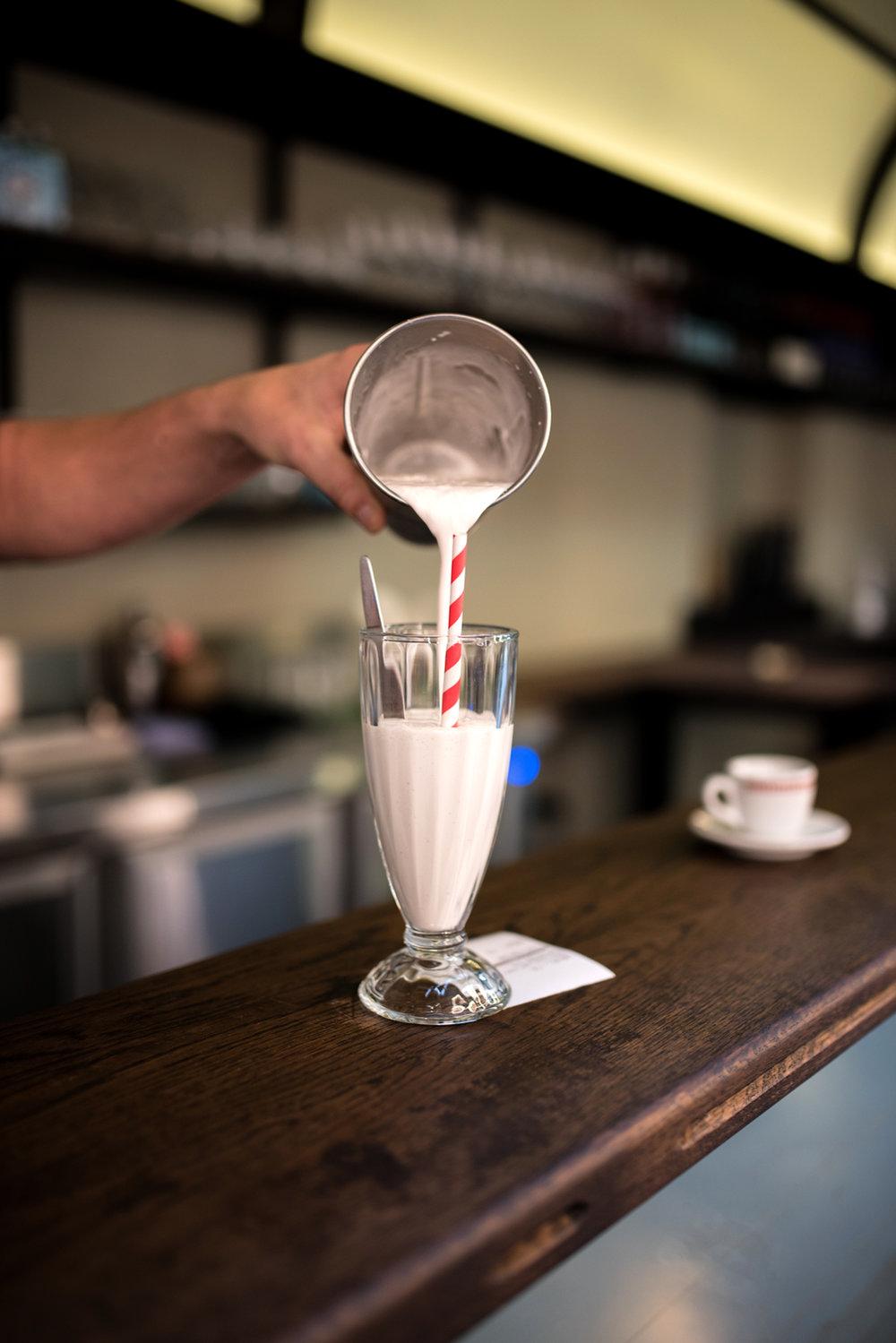 Fior de latte gelato milkshake