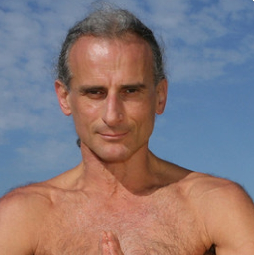 SIMON BORG OLIVIER  Simon is the co-founder and owner of Yoga Synergy and has over 33 years experience teaching yoga. He inspires people all around the world. Simon's passion for yoga has led to the creation of Yoga Synergy daily yoga classes, workshops, teacher training courses and international events.
