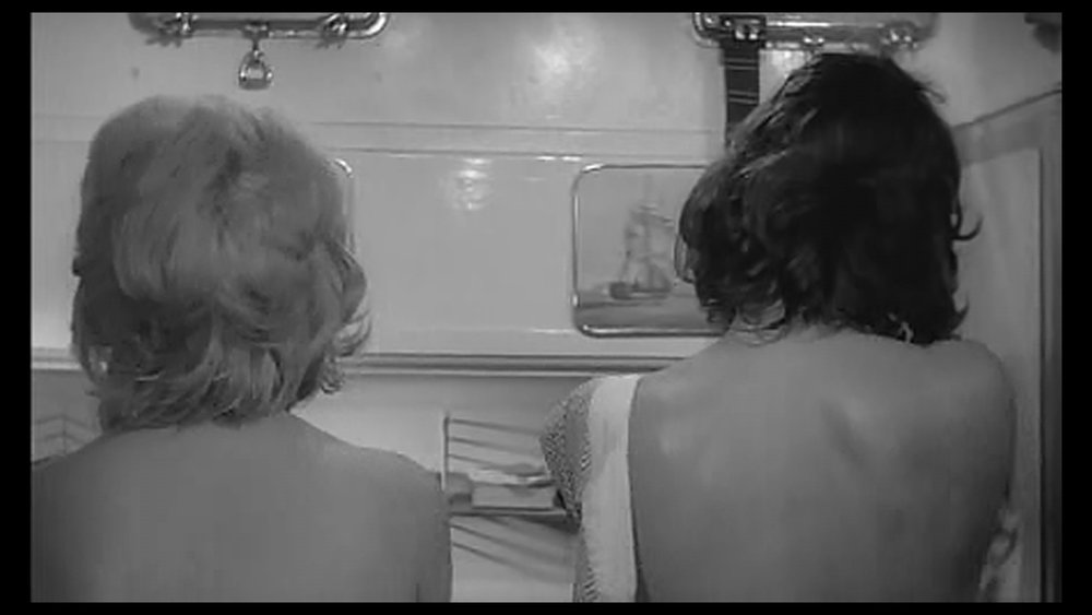Left: Monica Vitti Claudia. Right: Lea Massari as Anna