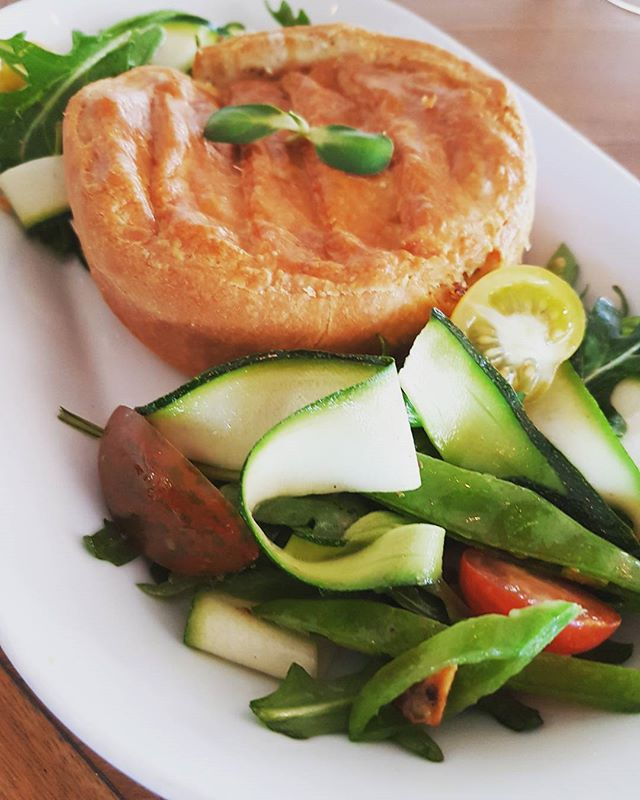 SPECIAL OF THE DAY || Chicken, corn & herbs Pie with green salad! #tropiconorthbeach #spring