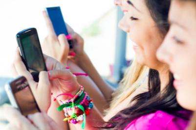 teens-social-med.png