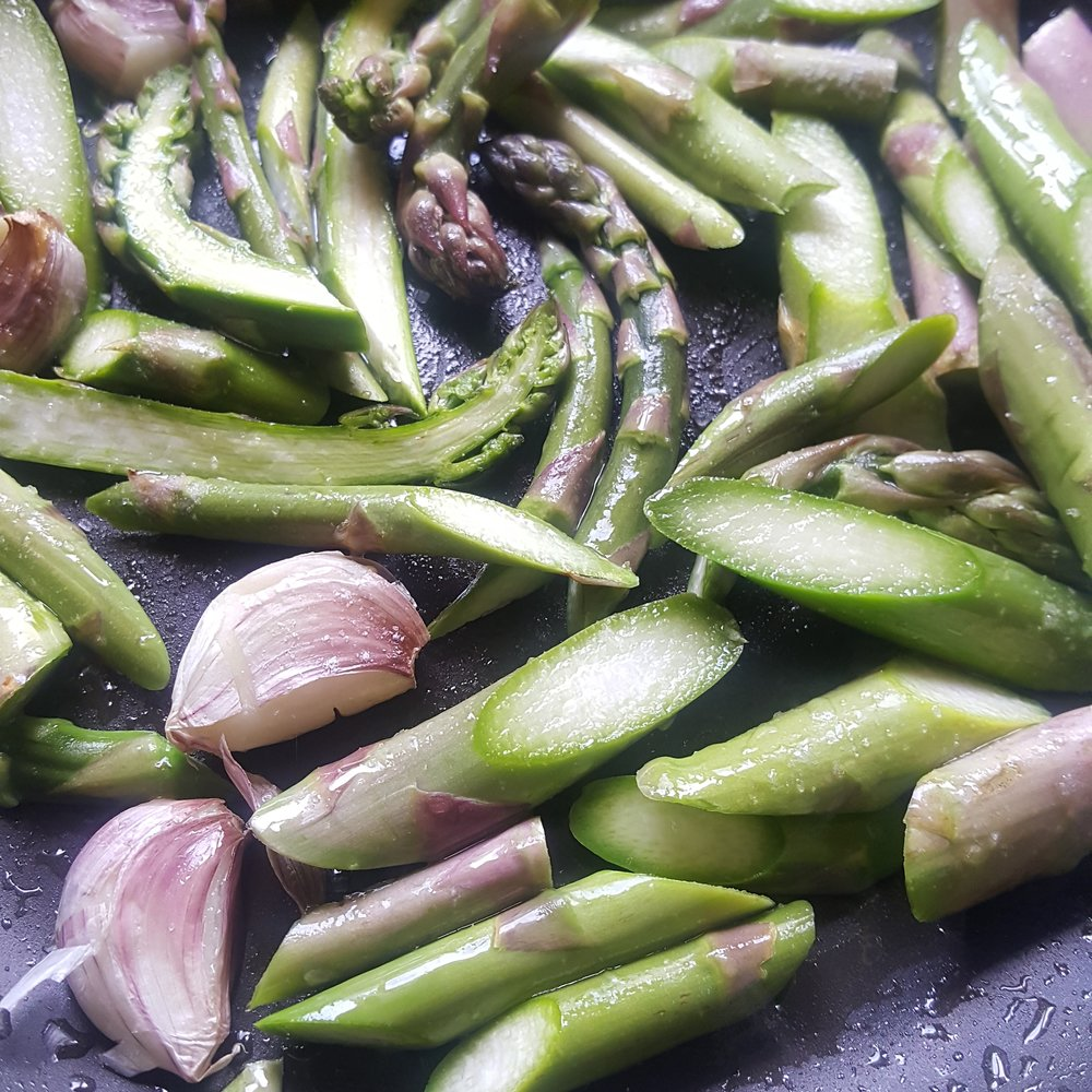 Simple and delicious - new season asparagus from the farmers market, with garlic, salt and pepper