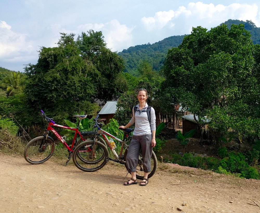 Cycling to Nam Dee Waterfall