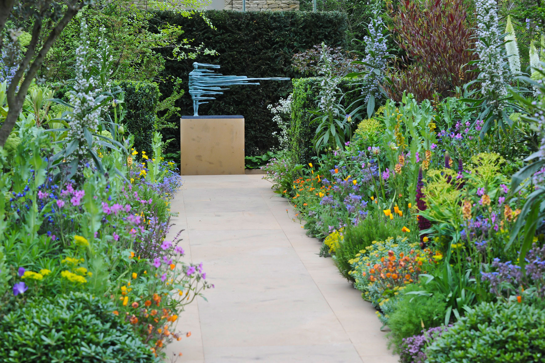 behind the scenes at the chelsea flower show 2014 u2014 yours